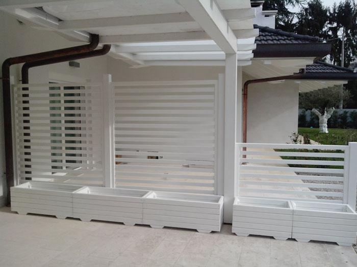 Grigliati bianchi per giardino profilati alluminio - Pannelli fonoassorbenti per giardino ...